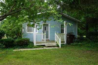 Belleville Single Family Home For Sale: 17815 Martinsville Rd