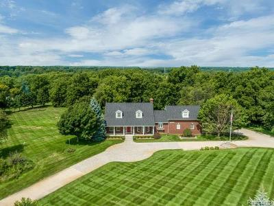Oakland Twp Single Family Home For Sale: 1997 Parks Rd