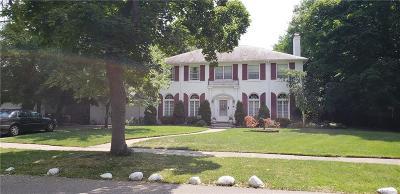 Detroit Single Family Home For Sale: 1441 Balmoral Dr
