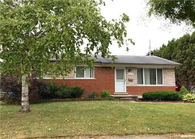 Troy Single Family Home For Sale: 1879 Coventry Dr