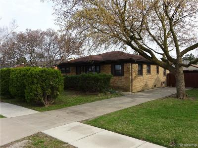 Fraser MI Single Family Home For Sale: $138,800