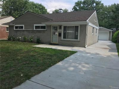 Madison Heights Single Family Home For Sale: 27620 Barrington St