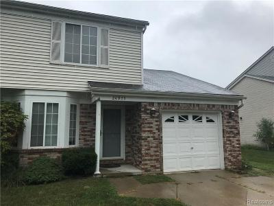 Harrison Twp Condo/Townhouse For Sale: 25005 Murray St
