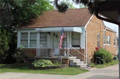 Roseville Single Family Home For Sale: 17146 Mayfield St
