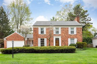 Grosse Pointe Farms Single Family Home For Sale: 39 Deming Ln