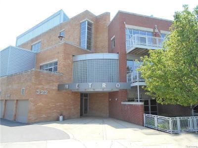 Royal Oak Condo/Townhouse For Sale: 322 E Harrison Ave