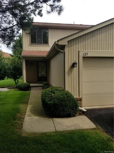 Rochester Hills Condo/Townhouse For Sale: 625 Byron