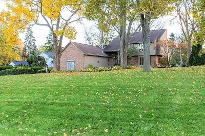 Bloomfield Hills Single Family Home For Sale: 264 Woodedge Dr