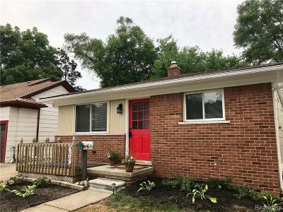 Royal Oak Single Family Home For Sale: 469 Cambridge