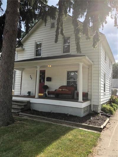 Royal Oak Single Family Home For Sale: 702 S Altadena Ave
