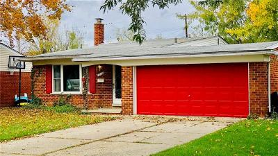 Clawson Single Family Home For Sale: 1334 W Elmwood Ave