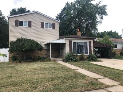 Hazel Park Single Family Home For Sale: 426 W Woodward Heights Blvd