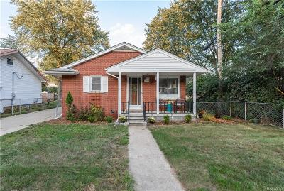 Plymouth Single Family Home For Sale: 11636 N Haggerty Rd