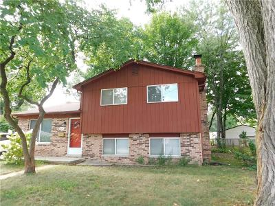 Clawson Single Family Home For Sale: 632 Bellevue Ave