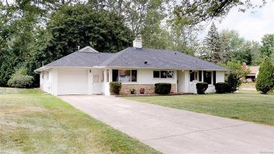 Bloomfield Hills Single Family Home For Sale: 2332 Rutherford Rd