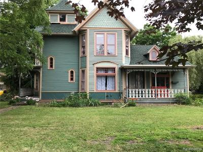 Belleville Single Family Home For Sale: 170 W Columbia Ave