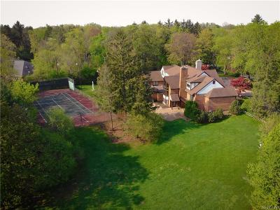 Franklin Single Family Home For Sale: 31800 Nottingham Dr