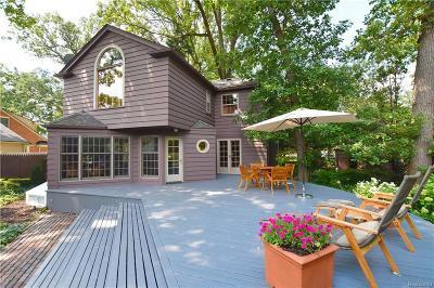 Royal Oak Single Family Home Pending: 405 Hendrie Blvd