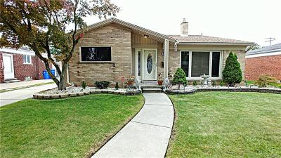Dearborn Heights Single Family Home For Sale: 6751 N Charlesworth Street