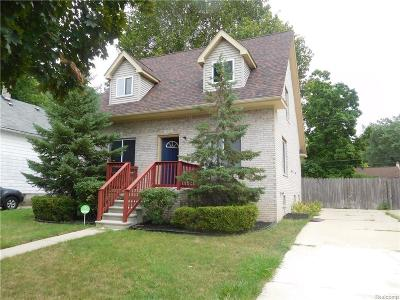 Ferndale Single Family Home For Sale: 2032 Farrow St