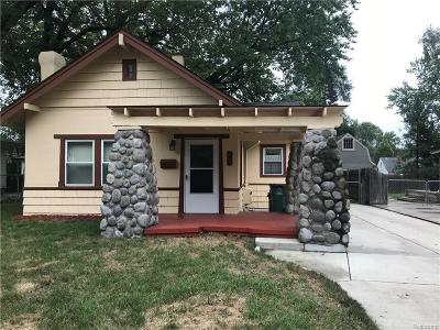 Clawson Single Family Home For Sale: 345 S Webik Ave