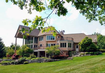 Lapeer Single Family Home For Sale: 1319 Invitational Dr