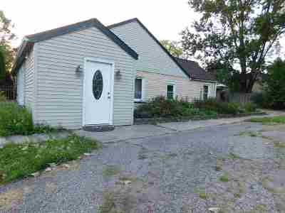 Farmington Hills Single Family Home For Sale: 20925 Randall