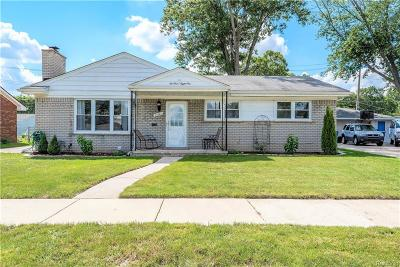 Dearborn Single Family Home For Sale: 21081 Brooklawn Dr