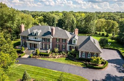 Bloomfield Hills Single Family Home For Sale: 899 Lone Pine Rd