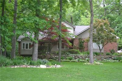 Clarkston Single Family Home For Sale: 9211 Nottingham Crt