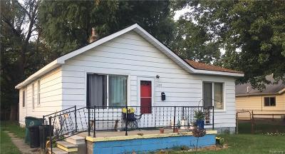 Ferndale Single Family Home For Sale: 1897 E Saratoga St