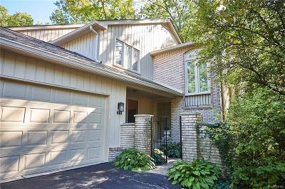 Bloomfield Hills Condo/Townhouse For Sale: 1130 Hillpointe Cir