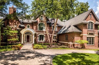 Bloomfield Hills Single Family Home For Sale: 1881 Heron Ridge Dr