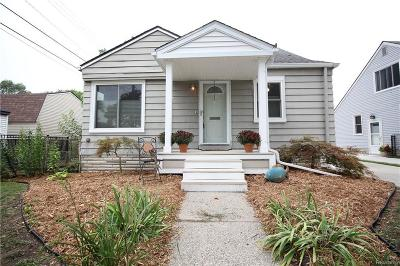 Royal Oak Single Family Home For Sale: 316 S Edgeworth Ave