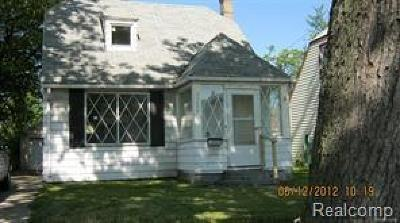 Hazel Park Single Family Home For Sale: 23059 Hazelwood Ave