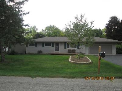 Waterford Single Family Home For Sale: 3161 Warringham Ave