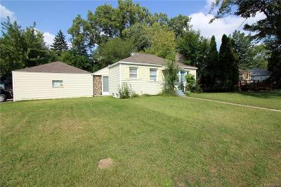 Clawson Single Family Home For Sale: 1107 E 14 Mile Rd