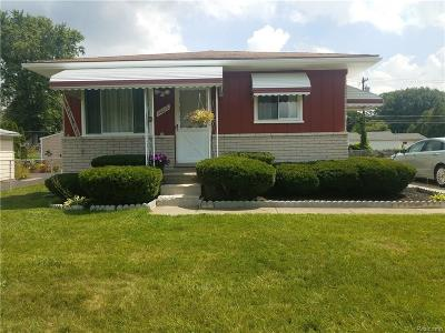 Livonia Single Family Home For Sale: 20016 Deering St