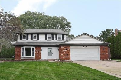 Rochester Hills Single Family Home For Sale: 949 Homestead Crt