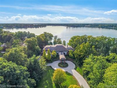 West Bloomfield Single Family Home For Sale: 3222 Middlebelt Rd