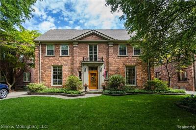 Grosse Pointe Single Family Home For Sale: 508 University Pl