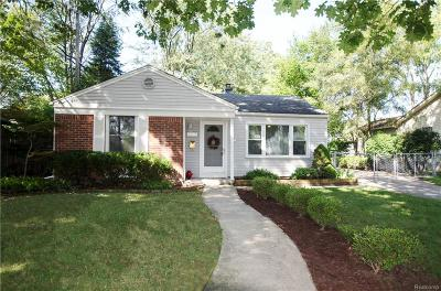 Royal Oak Single Family Home For Sale: 4217 Mankato Ave