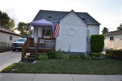 Roseville Single Family Home For Sale: 28041 Essex St