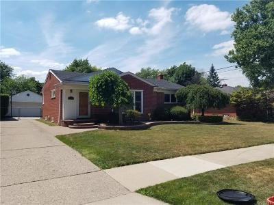 Livonia Single Family Home For Sale: 14195 Foch St