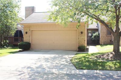 Farmington Hills Condo/Townhouse For Sale: 35065 Silver Ridge Crt
