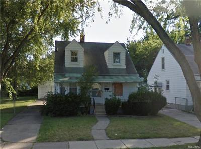 Harper Woods Single Family Home For Sale: 18564 Elkhart St