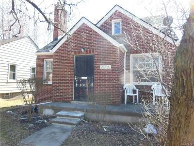 Harper Woods Single Family Home For Sale: 20404 Kingsville St