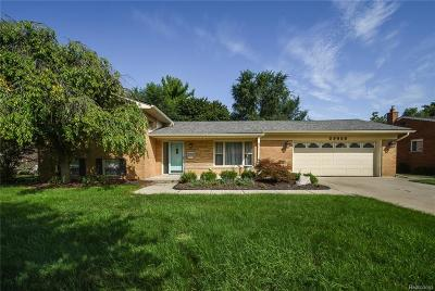 Livonia Single Family Home For Sale: 29600 Jacquelyn Dr
