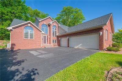 Clarkston Single Family Home For Sale: 7515 Ridge Valley