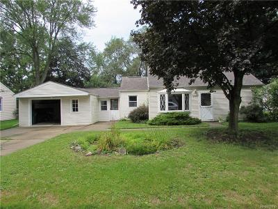 Plymouth Single Family Home For Sale: 8881 Marlowe Ave